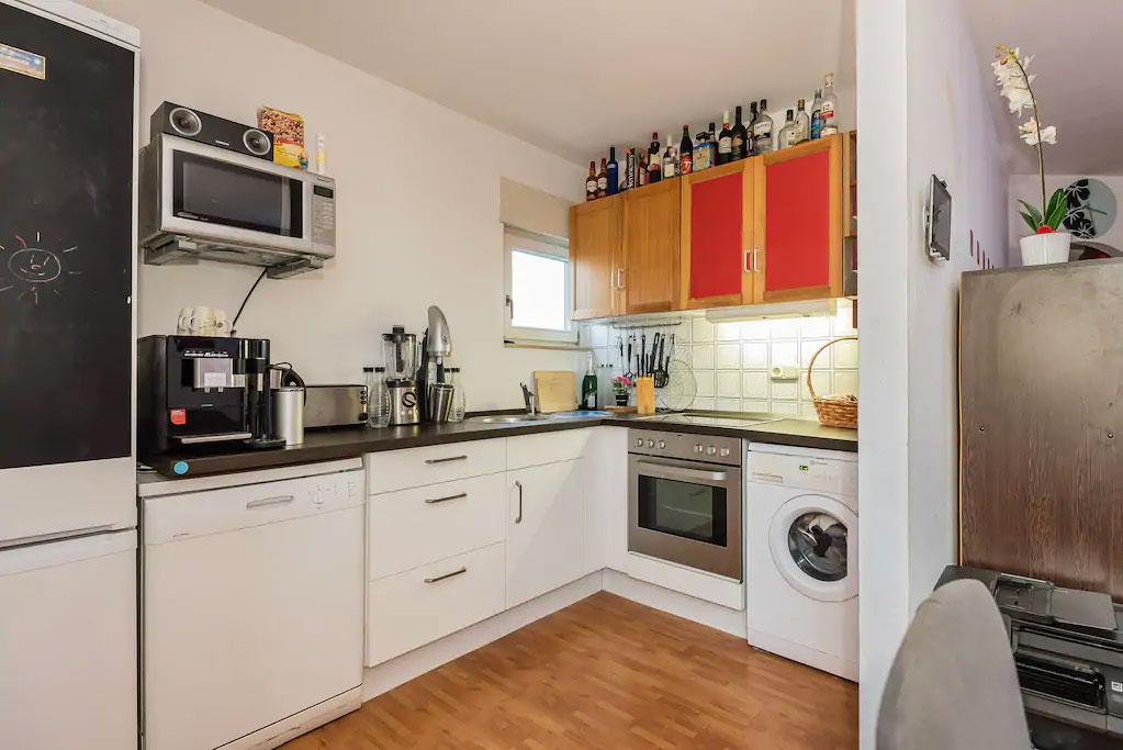 airbnbs kitchens