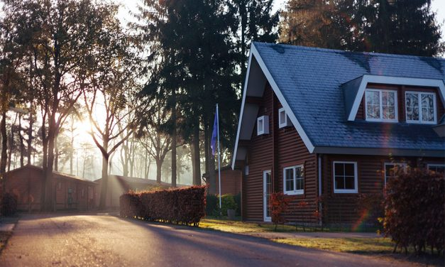 Should You Refinance Your Mortgage? Be on the Lookout for These 4 Signs