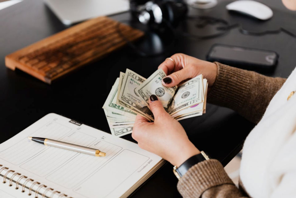 4 Essential Things to Look for in a Business Loan