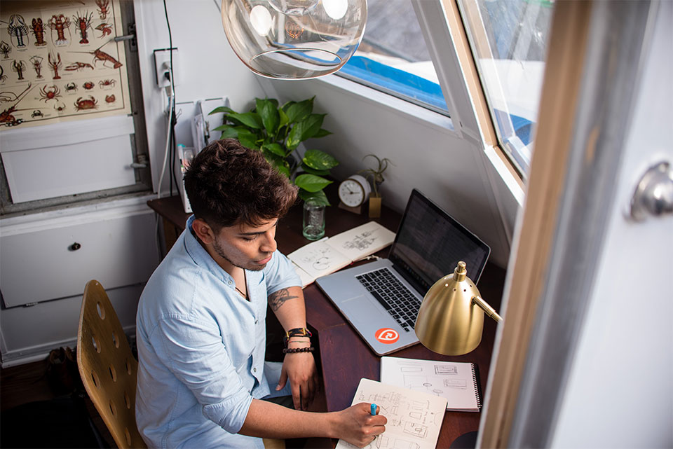 5 Things Freelancers Can Do to Stay Afloat During Coronavirus