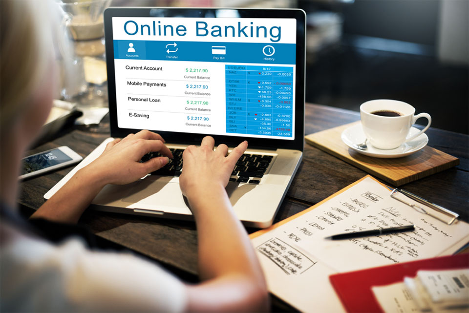 3 Easy Ways to Manage Your Finances Online
