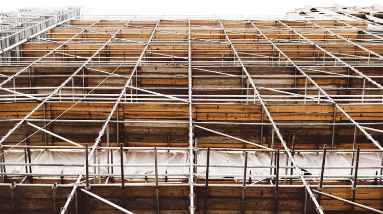 6 Safety Precautions When Using Scaffolding at Your Worksite