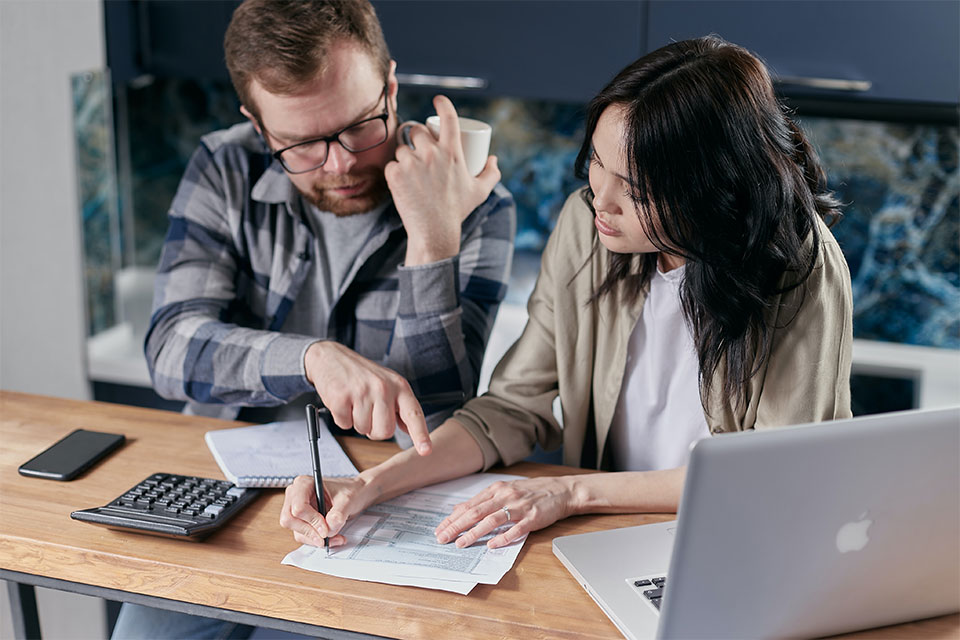 How You Can Pay Bills While Your Personal Injury Case Is Pending